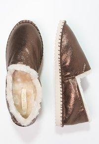 flip*flop - FLIPPADRILLA  - Slippers - brown sugar - 3