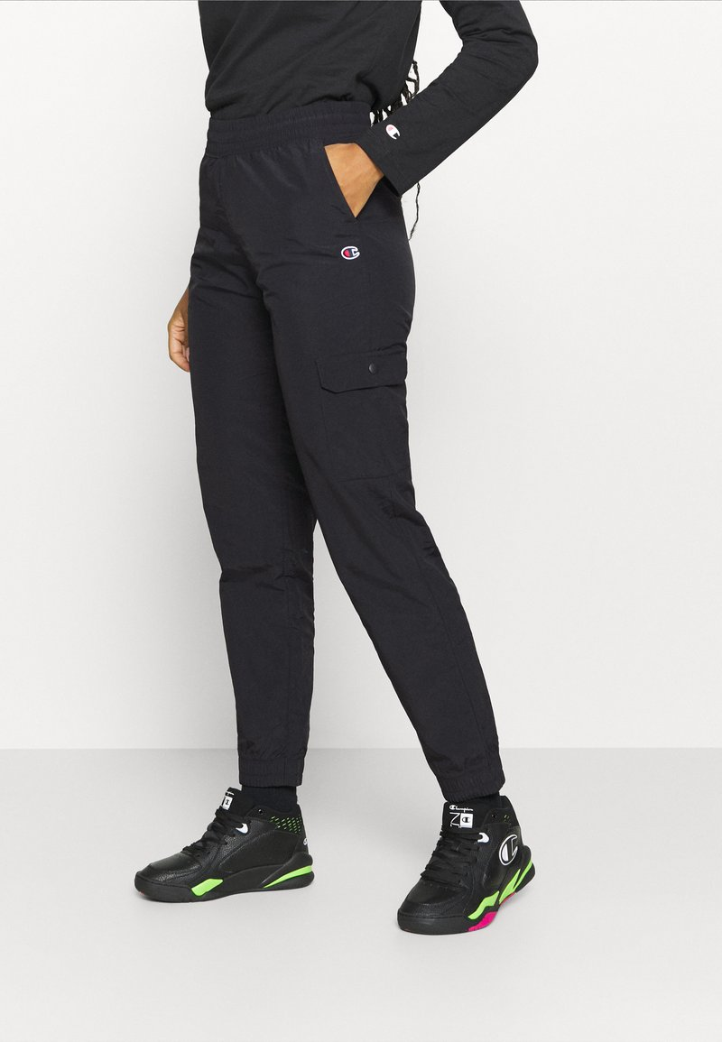 Champion - CARGO PANTS ROCHESTER - Pantaloni sportivi - black