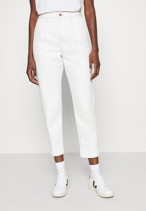 MOM - Jeansy Relaxed Fit - winter white