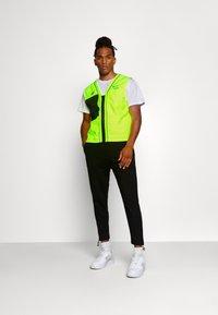Nike Sportswear - VEST - Liivi - volt - 1