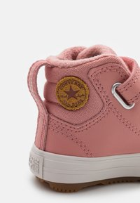 Converse - CHUCK TAYLOR ALL STAR BERKSHIRE  - High-top trainers - rust pink/pale putty - 5