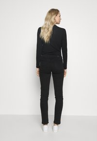 Esprit - Jeansy Slim Fit - black dark wash - 2