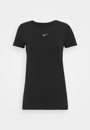 AURA SLIM - Basic T-shirt - black