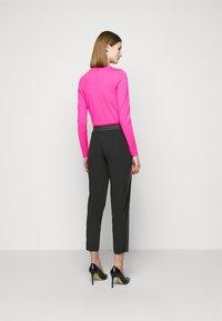 Pinko - FIBBIA PANTALONE - Spodnie materiałowe - black - 2