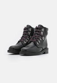 Claudie Pierlot - ARAMISTER - Lace-up ankle boots - noir - 2