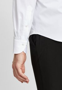 PROFUOMO - Formal shirt - white - 4