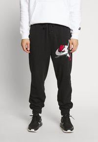 Jordan - M J JUMPMAN CLSCS LTWT PANT - Verryttelyhousut - black/gym red/white - 0