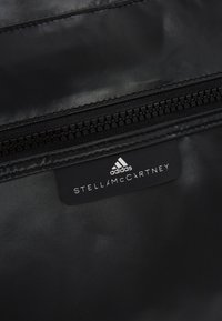adidas by Stella McCartney - SQUARE DUFFEL M - Treningsbag - black/black/white - 6