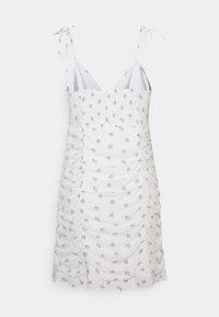 Hollister Co. - BARE RUCHED SHORT DRESS - Kjole - white - 7