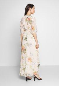 Hope & Ivy Maternity - SLEEVE WRAP DRESS - Maxi šaty - blush - 2