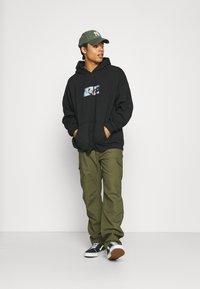 Vintage Supply - SHOOK GREMLINS HOODIE - Sweatshirt - black - 1