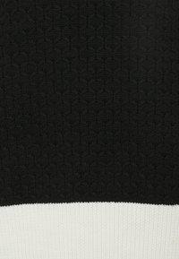 Neil Barrett - LOOSE MOCK NECK GUERNSEY - Strikkegenser - black - 7