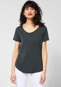 Street One - Basic T-shirt - green - 0