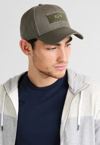 Alpha Industries - Caps - dark green - 1