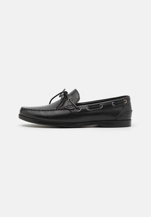 Boat shoes - black