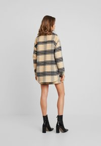 Missguided - PURPOSEFUL BRUSHED CHECK DOUBLE BREASTED COAT - Manteau court - sand - 2