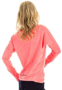 Winshape - LONGSLEEVE - Sweatshirt - neon coral - 2