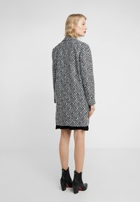 Steffen Schraut - SUMMER JACQUARD COAT - Short coat - black/white - 2