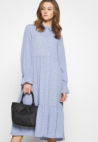 Monki - PARLY DRESS - Blusenkleid - blue - 3