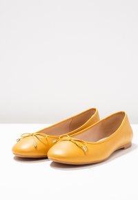 PARFOIS - Ballerina - yellow mustard - 3