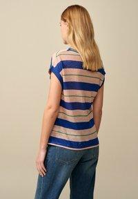 Bellerose - SEVIA - Print T-shirt - blau grün rosa gestreift - 2
