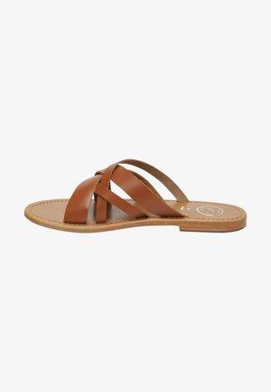 CLOT - Mules - camel