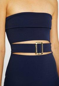 Missguided - CUT OUT BABDEAU BUCKLE MIDAXI DRESS - Pouzdrové šaty - navy - 5