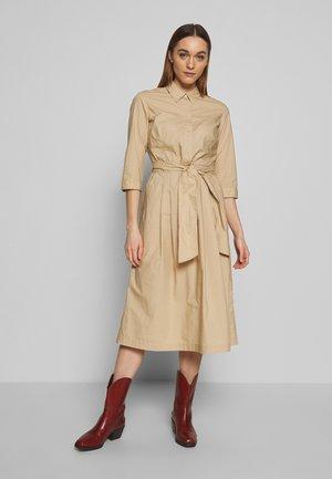 DRESS SHIRT STYLE PLACKET COLLAR WITH BELT - Shirt dress - swedish pine