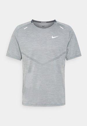 TECHKNIT ULTRA  - T-shirts print - smoke grey/light smoke grey