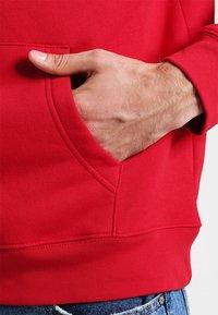 GAP - ARCH - Hoodie - crimson red - 4