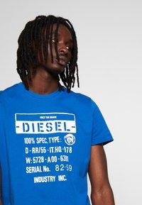 Diesel - T-DIEGO-S1 T-SHIRT - T-shirt con stampa - blue - 4