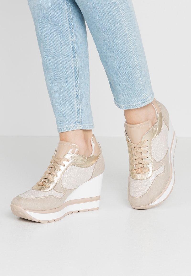 Tata Italia - Zapatillas - beige