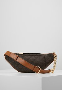 MICHAEL Michael Kors - MOTT WAISTPACK - Bum bag - brown - 2