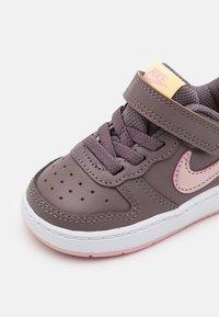 Nike Sportswear - COURT BOROUGH UNISEX - Sneakers - violet ore/pink glaze/melon tint - 5