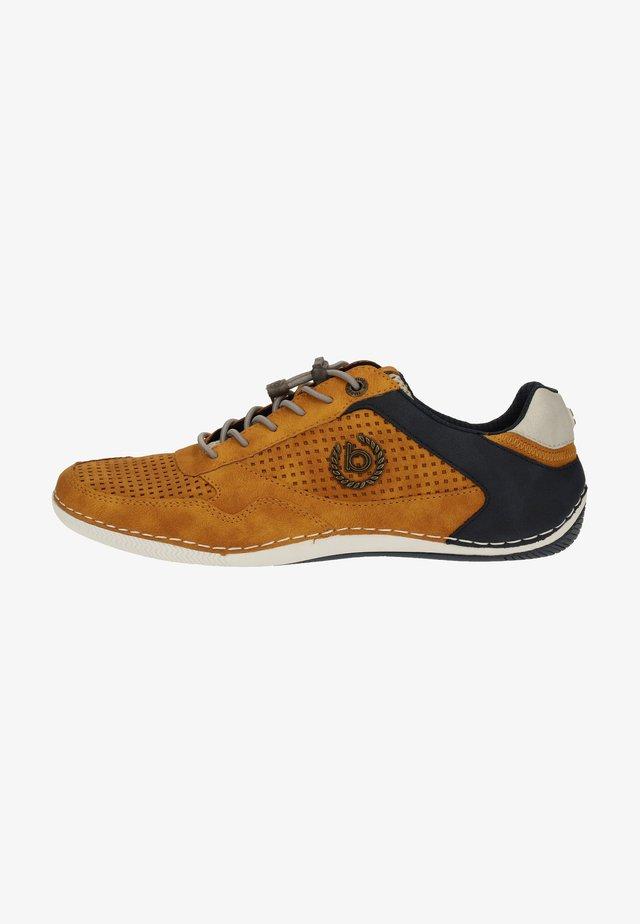 Sznurowane obuwie sportowe - yellow