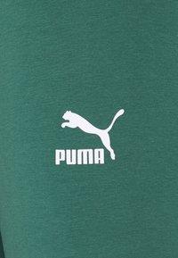 Puma - CLASSICS TIGHTS - Shorts - böuse spruce - 5
