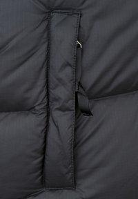 The North Face - RETRO NUPTSE - Liivi - black - 7