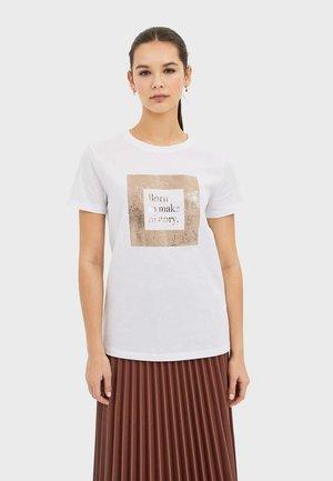 T-SHIRT MIT PRINT 02594562 - T-shirt imprimé - white