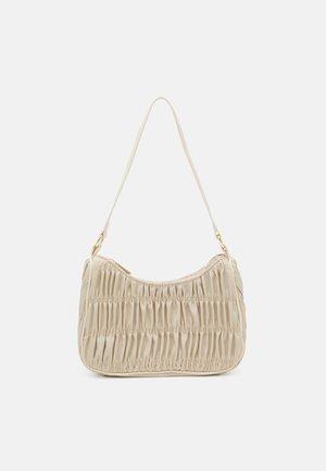 PCMILLE SHOULDER BAG - Kabelka - warm sand
