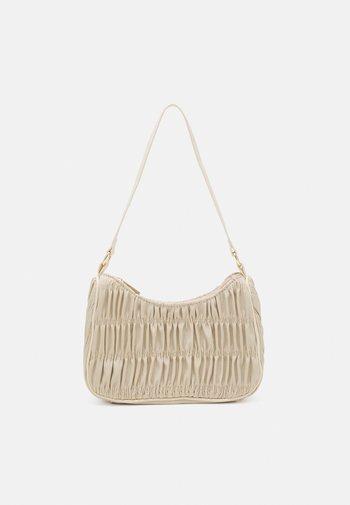 PCMILLE SHOULDER BAG - Handbag - warm sand