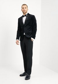 Isaac Dewhirst - FASHION PLAIN JACKET SLIM FIT - Marynarka - black - 1