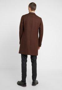 PS Paul Smith - OVERCOAT - Płaszcz wełniany /Płaszcz klasyczny - brown - 2