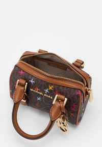 MICHAEL Michael Kors - BEDFORD LEGACYXS DUFFLE XBODY AIRPLANESMK SIG SEMI LUX SM - Handtas - brown multi-coloured - 3