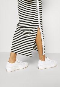 Calvin Klein - LOGO SCOOP MAXI DRESS - Maxi-jurk - black/bright white - 5