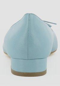 Evita - FRANCA - Classic heels - light blue - 3