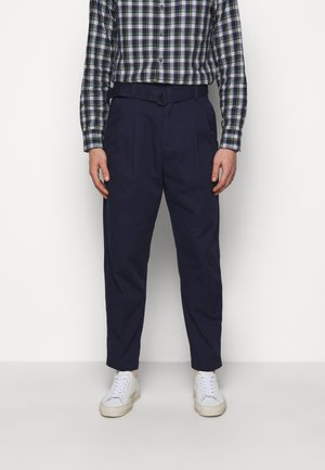 BELTED TROUSER - Trousers - blue