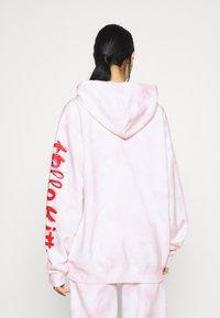 NEW girl ORDER - HELLO BUBBLE TIE DYE HOODIE - Sweatshirt - pink - 2