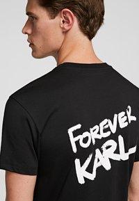 KARL LAGERFELD - FOREVER  - Print T-shirt - black - 3