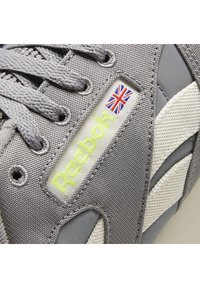 Reebok Classic - CLASSIC LEATHER REECYCLED SHOES - Sneakersy niskie - grey - 9