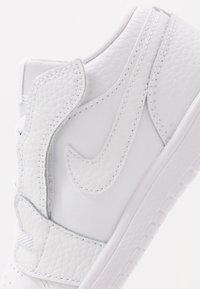 Jordan - 1 LOW ALT - Basketball shoes - white - 2